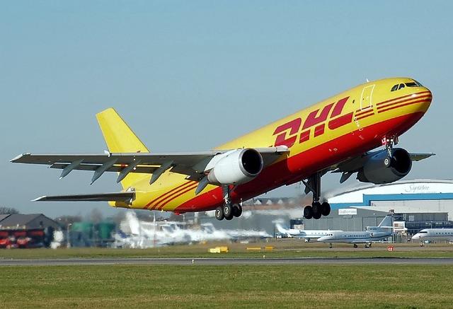 DHL飛行機
